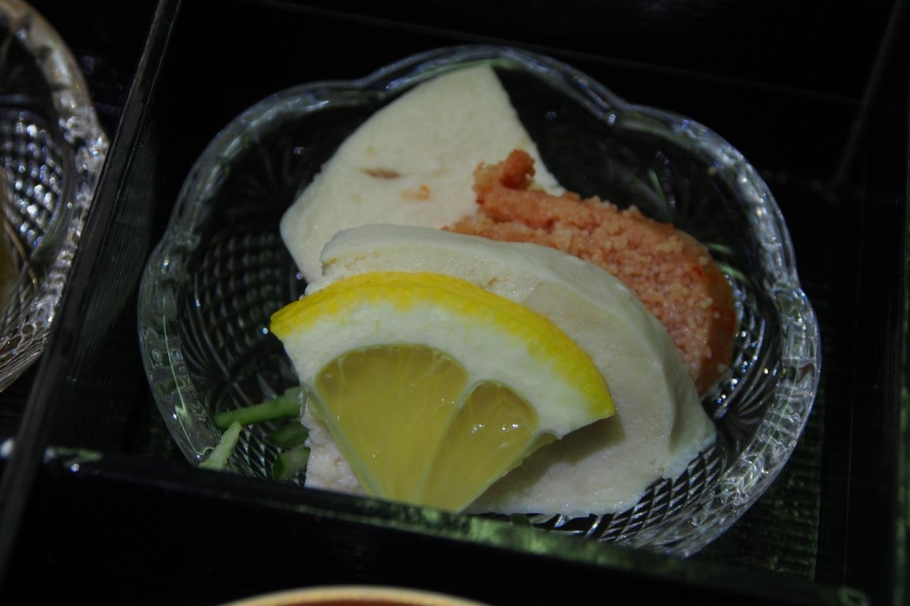 博多: 炙り明太子と 蒸しみつせ鶏 Seared Spicy Cod Roe & Steamed Chicken
