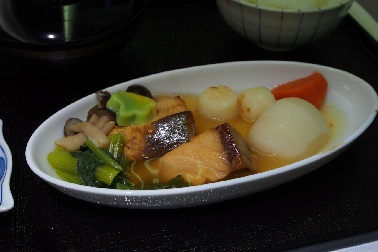 台の物: 鰤具雑煮風 Simmered Yellowtail, Potato Dumpling & Vegetables