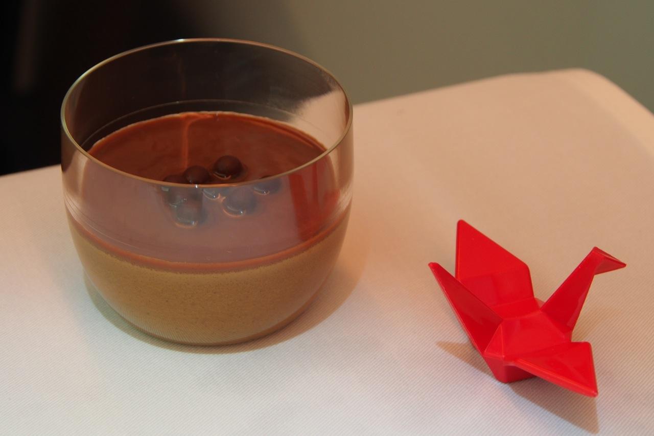 豆乳とチコリコーヒーのプティ・ポ ショコラとヘーゼルナッツのクーリ Petit Pot of Soy Milk & Chicory Coffee with Chocolate & Hazelnut Coulis