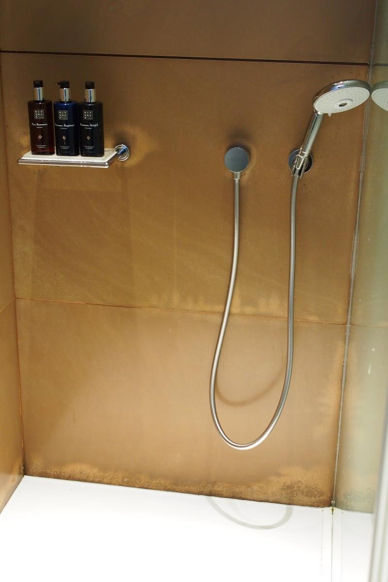 寧靜休息室旁有淋浴間