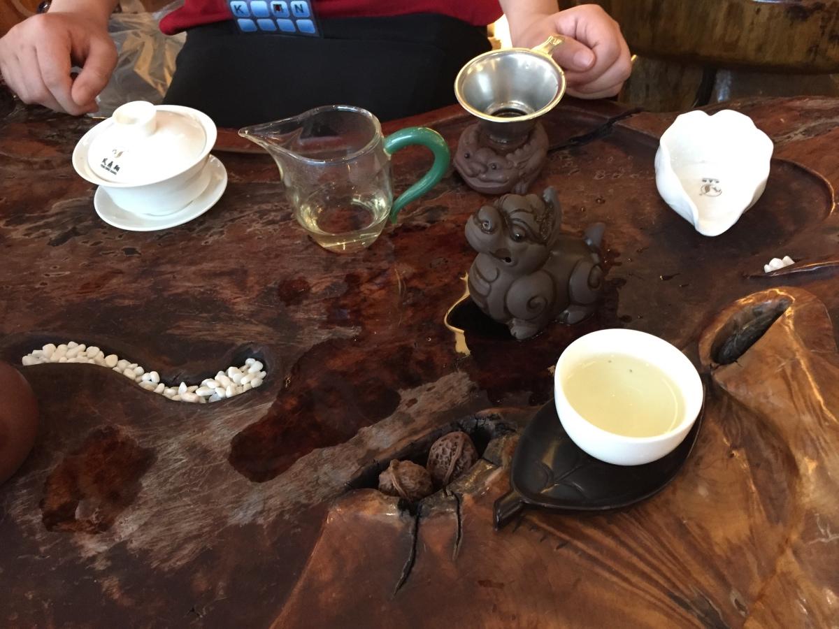 茶枱現泡的茶