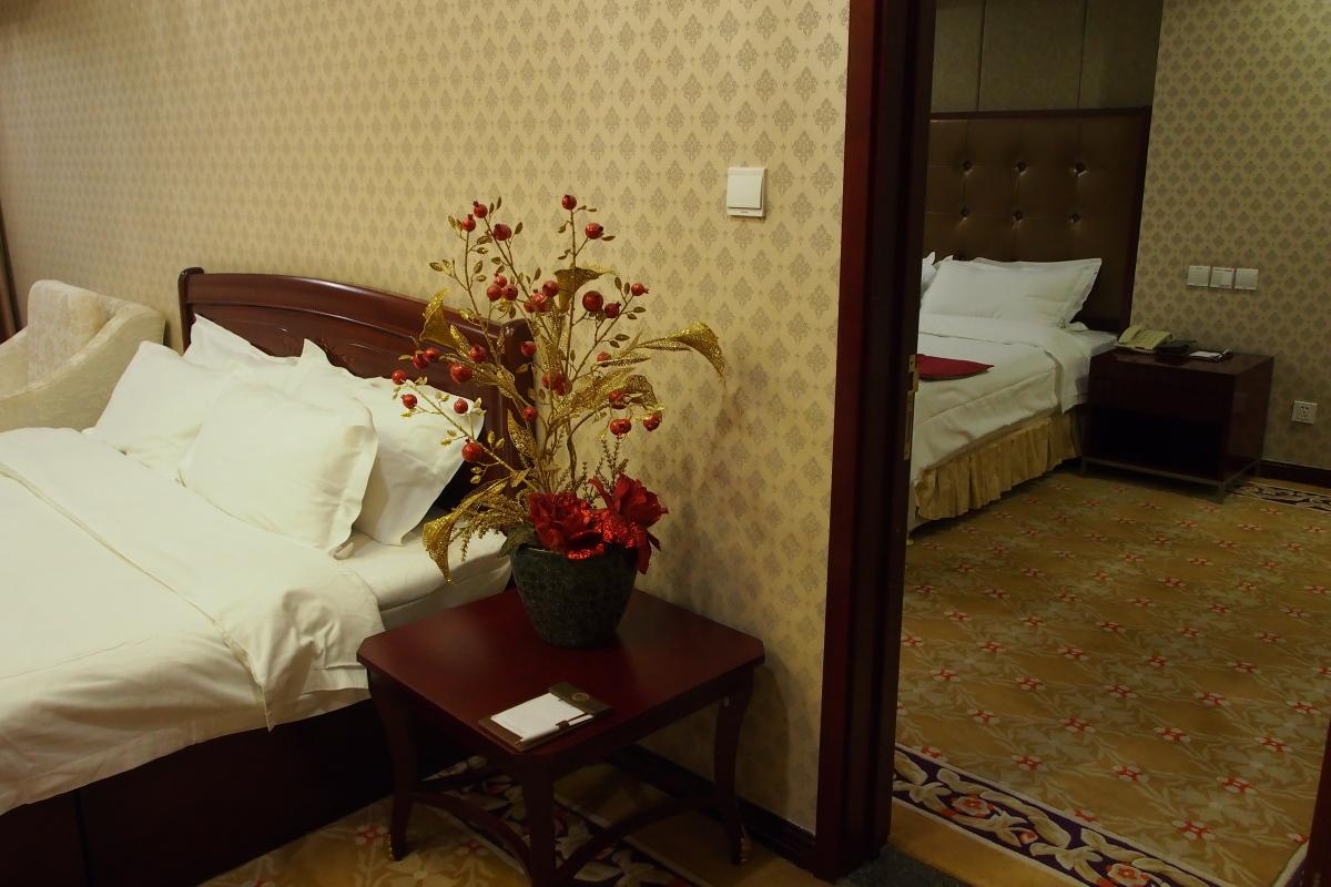 房間基本上是兩間房打通而成